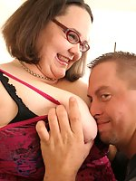 Nerdy plumper getting her huge buns spread for a fucking