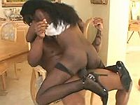 Ebony vixen jumps on a meaty pecker